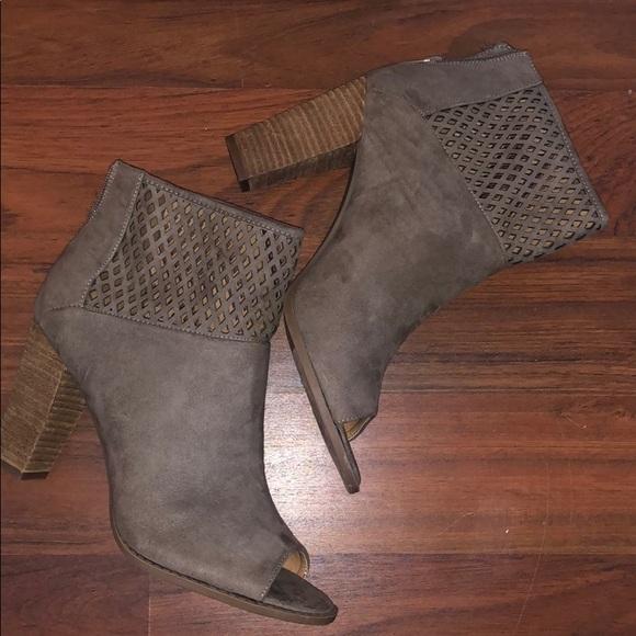 Report Shoes - Super cute heels!